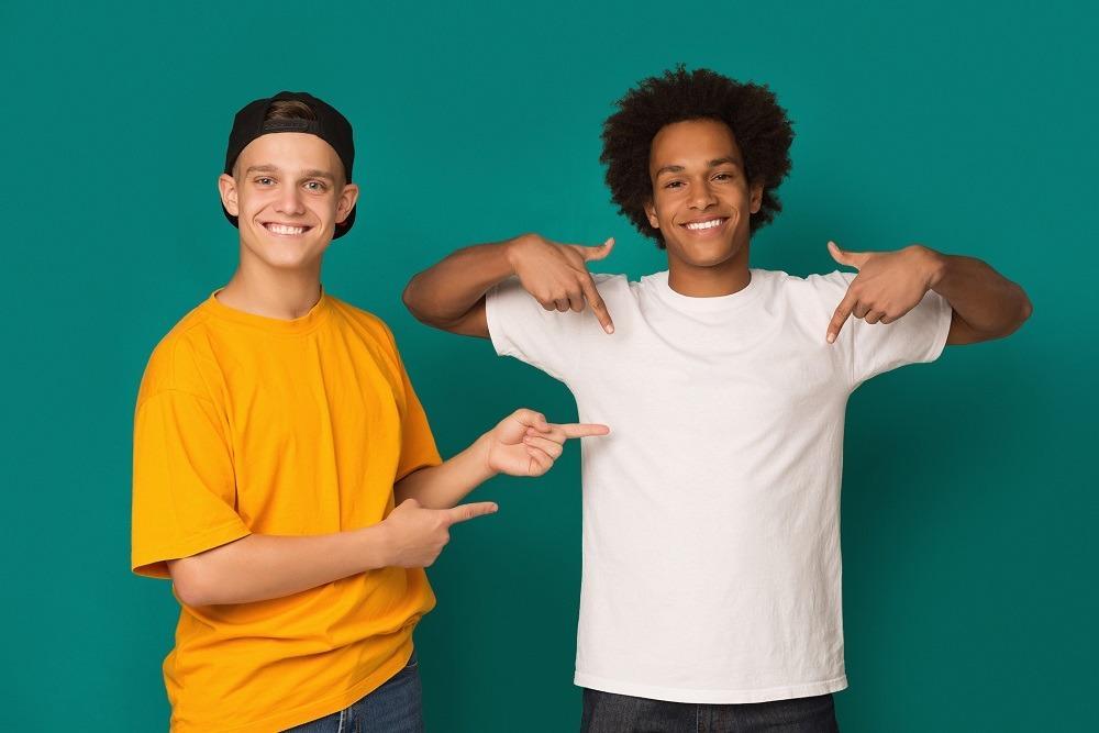 Dlaczego koszulka z nadrukiem to idealny prezent dla nastolatka?